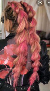 kolorowe długie włosy